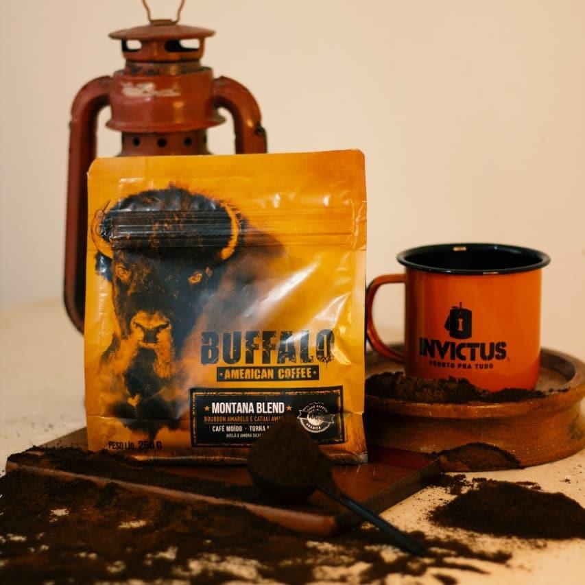 Café Búffalo American Coffee e caneca INVICTUS